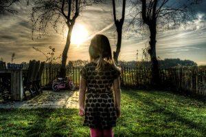 dziecko na wsi